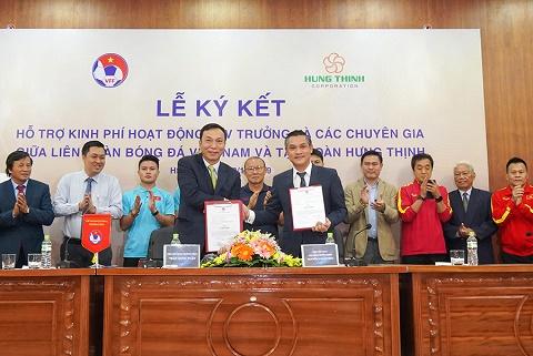 """Tập đoàn Hưng Thịnh đồng hành cùng VFF trả lương """"khủng"""" cho HLV Park Hang-Seo"""