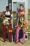 Versace và sự kết hợp lần đầu tiên với họa sĩ Việt Nam