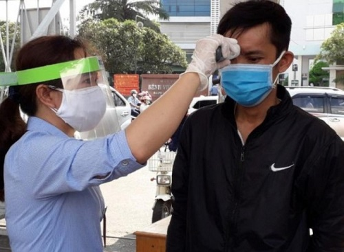TP.HCM họp khẩn cấp với 129 bệnh viện sau 2 ca nhiễm Covid-19