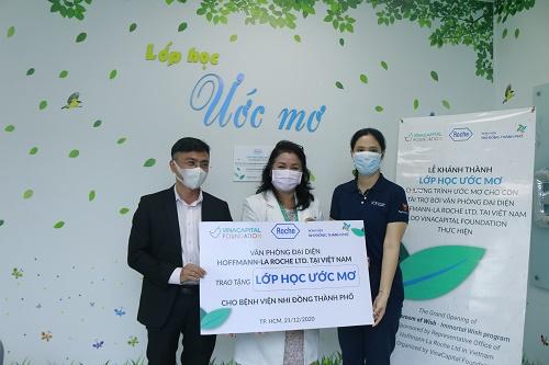 """Roche Việt Nam và VinaCapital Foundation công bố chương trình """"Ước mơ cho con"""""""