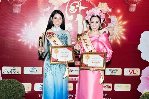 Hoa hậu Huỳnh Thúy Anh được Tôn vinh giải thưởng 'Ngôi sao tỏa sáng của năm'