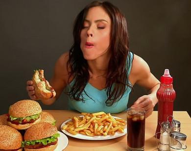 Ăn uống không đúng cách là nguyên nhân gây mất ngủ