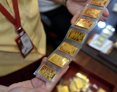 Giá vàng thế giới chiều 30/7 giảm nhẹ, SJC tăng 100 đồng/lượng